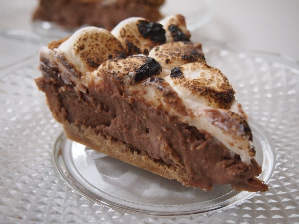 Mores Pie – Chocolate & Marshmallow Goodness | Mustard With ...