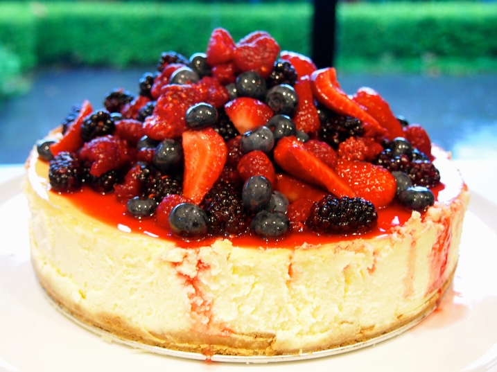 Perfect Cheesecake with Mixed Berry Topping