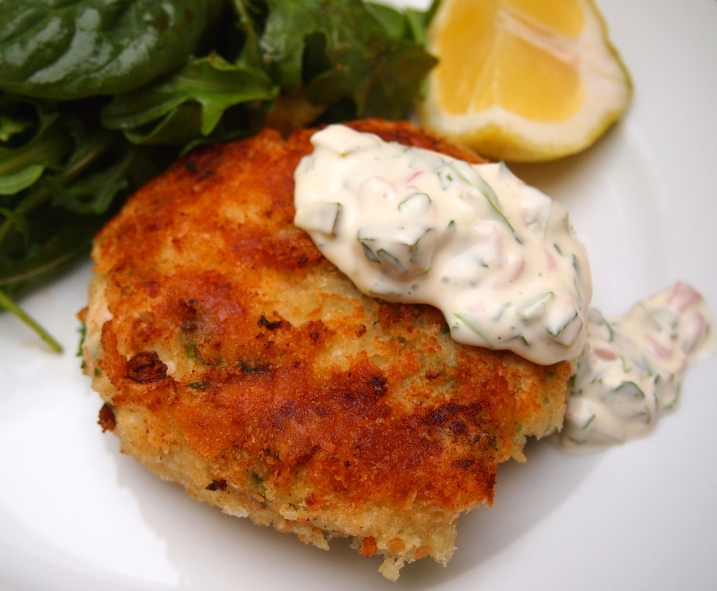 Traditional Fish Cakes with Tartar Sauce