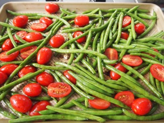 Perfect Side Dish to Feed a Crowd - Roasted Green Beans & Tomatoes