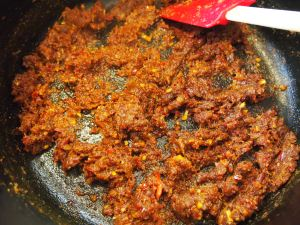 Frying spice paste for Kapitan Chicken