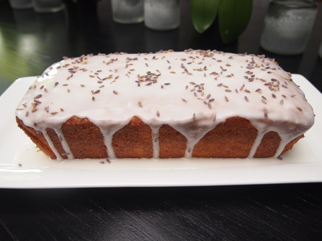 Best Ever Tea Cake - Lemon Drizzle Cake